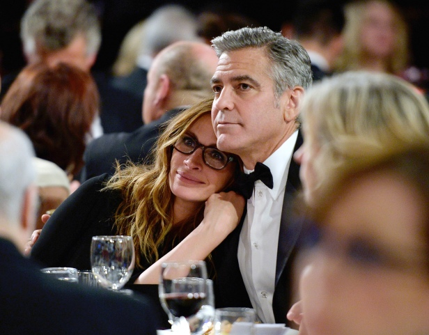BEVERLY HILLS, CA - NOVEMBER 09: Actors Julia Roberts (L) and George Clooney attend the 2013 BAFTA LA Jaguar Britannia Awards presented by BBC America at The Beverly Hilton Hotel on November 9, 2013 in Beverly Hills, California. (Photo by Kevork Djansezian/BAFTA LA/Getty Images for BAFTA LA)
